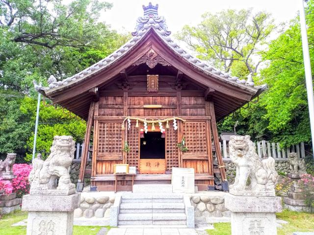八柱神社の本殿