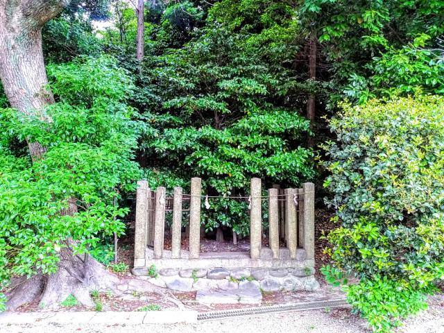 八柱神社の建物その他