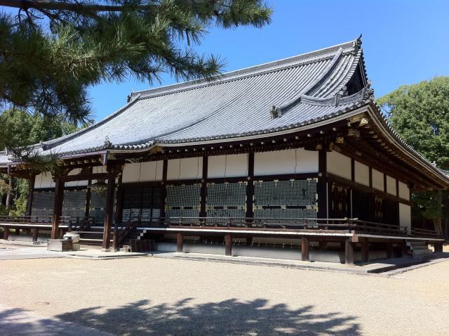 京都府仁和寺の本殿