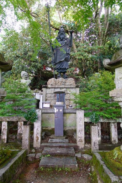 南朝妙法院の像