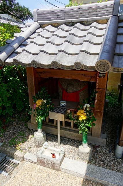 大神神社の近くの神社お寺|馬場本村地蔵堂