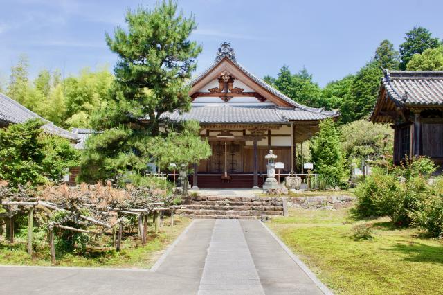 滋賀県龍王寺(雪野寺)の本殿