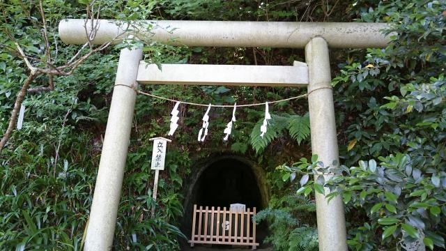 神奈川県荏柄天神社の鳥居