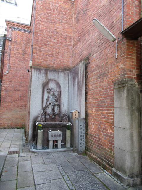 誠心院の像