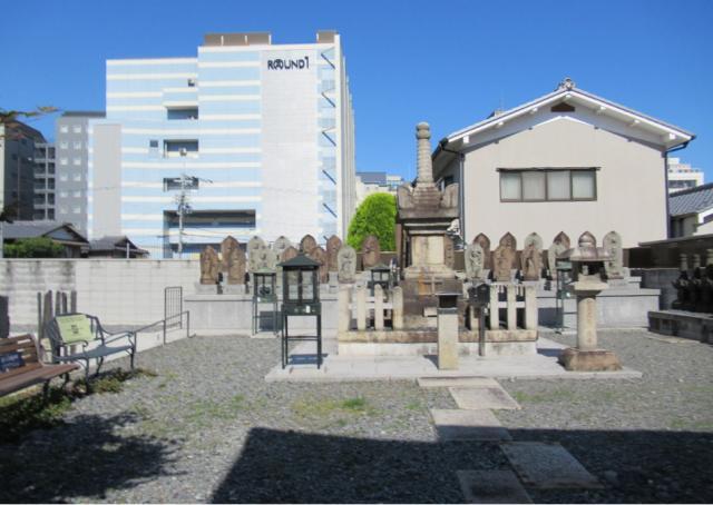 京都府誠心院のお墓