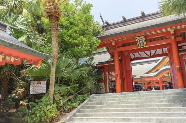 青島神社(青島神宮)の山門
