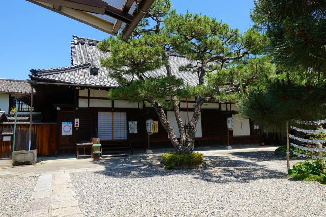 京都府六道珍皇寺の本殿