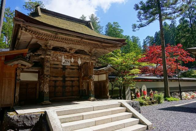 和歌山県高野山金剛峯寺奥の院の山門