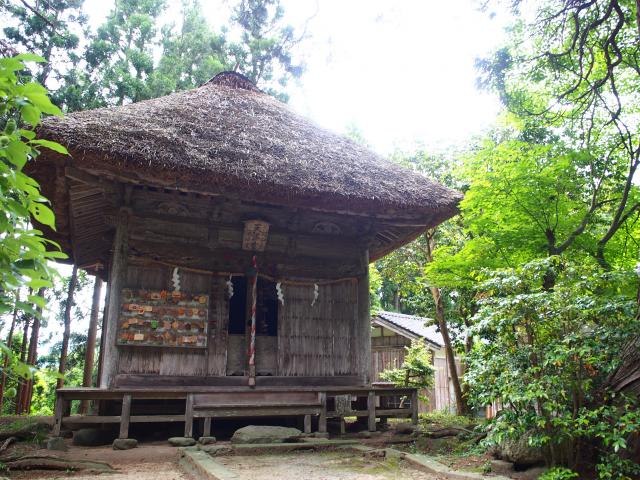 牛尾神社の本殿