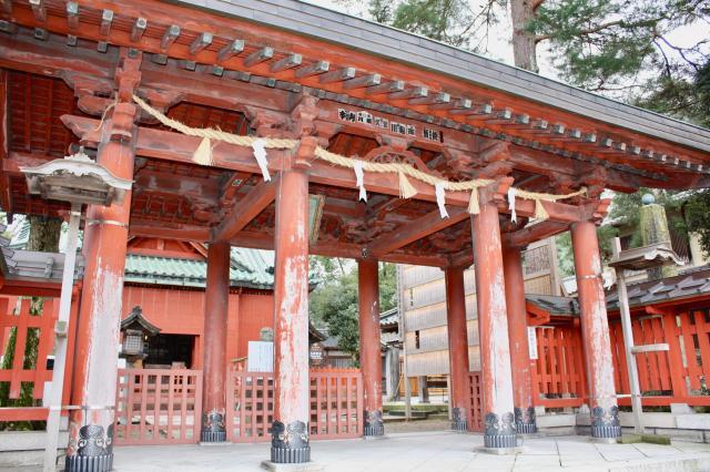 石川県尾崎神社の本殿
