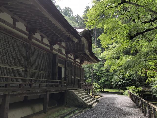 滋賀県百済寺の本殿