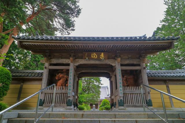宮城県覚範寺の山門