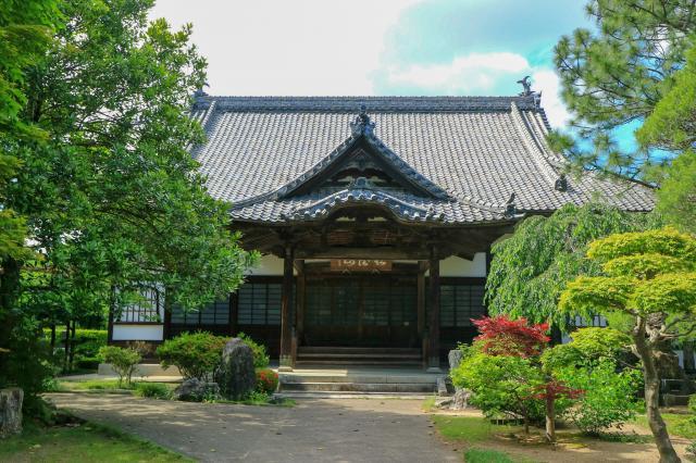 宮城県光明寺の本殿