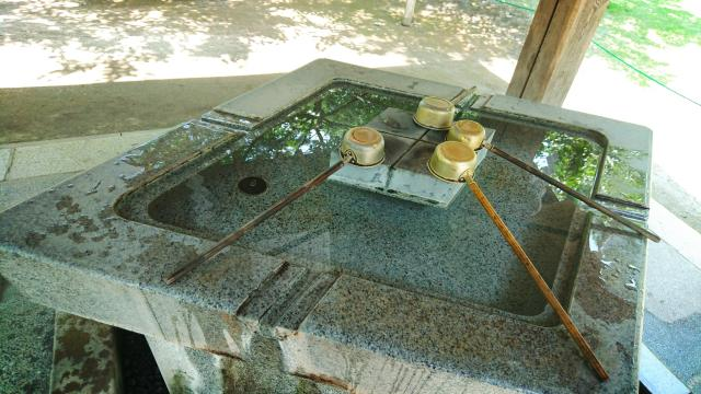 武田神社の手水