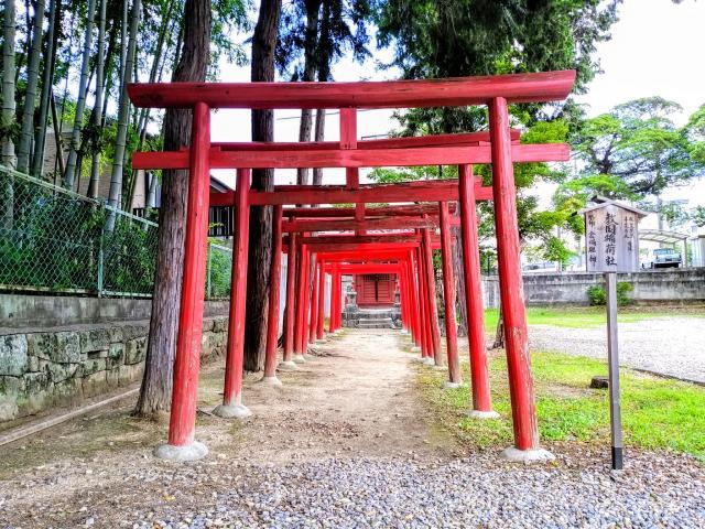 愛知県伊賀八幡宮の鳥居