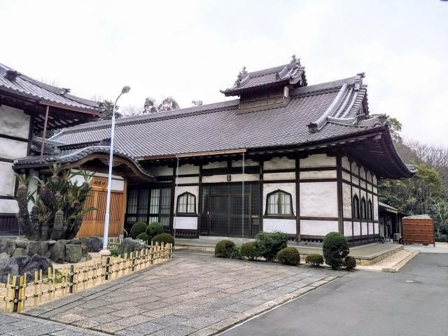 祥雲山 長源寺の本殿