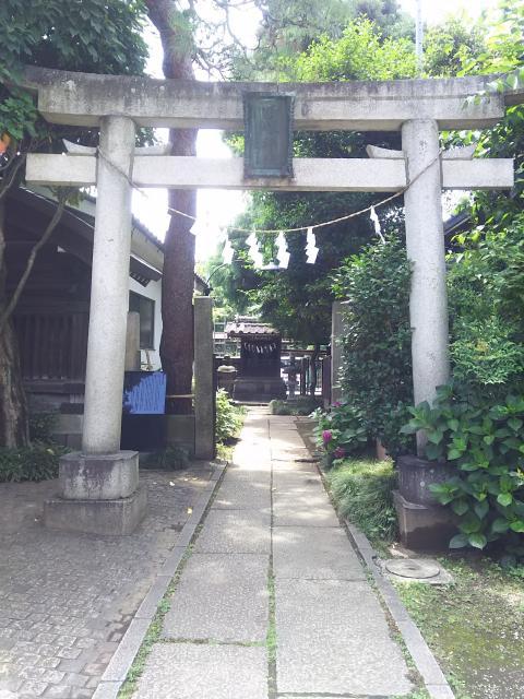 埼玉県雪塚稲荷神社の鳥居