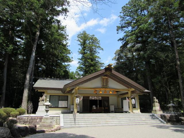 頭之宮四方神社の本殿