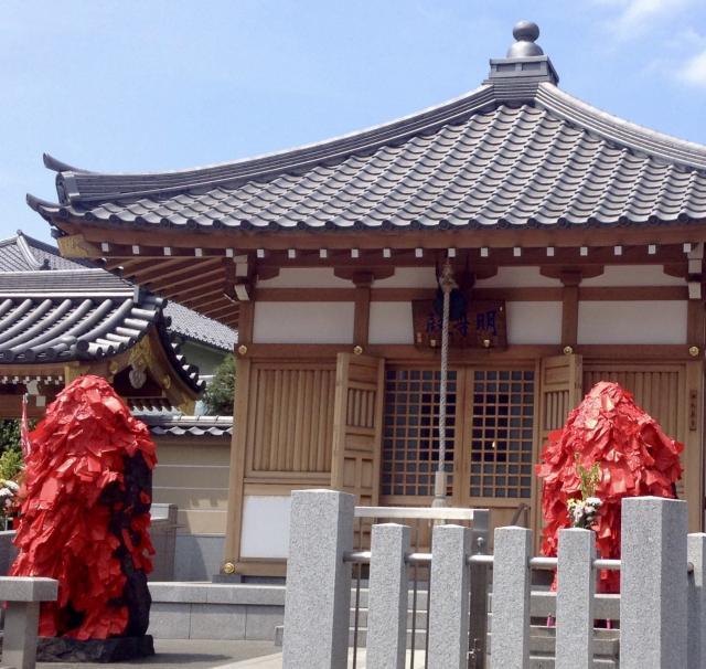 東京都東覚寺の本殿