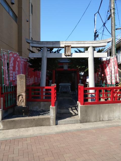 東京都白玉稲荷神社の鳥居