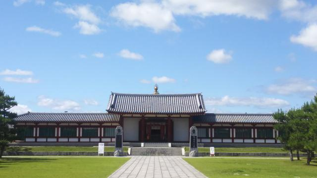 奈良県薬師寺の本殿