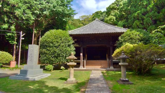 静岡県実相寺の本殿