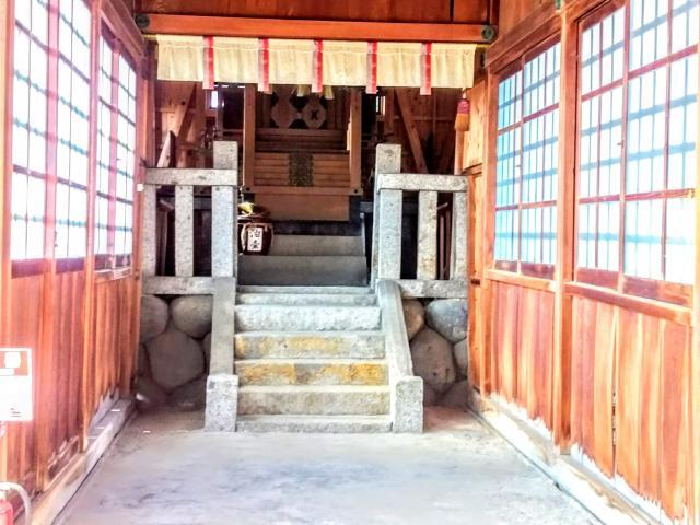 油江天神社の本殿