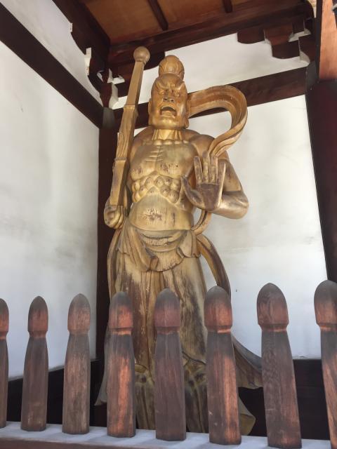 善光寺別院願王寺の像