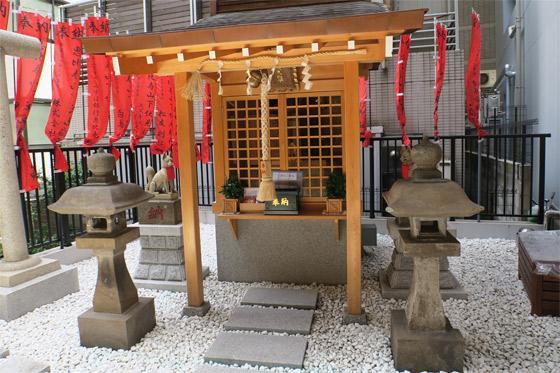 恵比寿山下伏見稲荷大明神の本殿