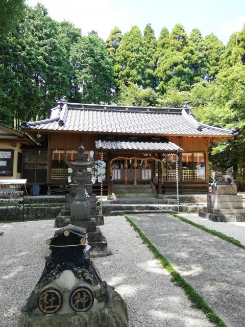 佐賀県男女神社の本殿