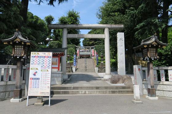 東京都沼袋氷川神社の鳥居