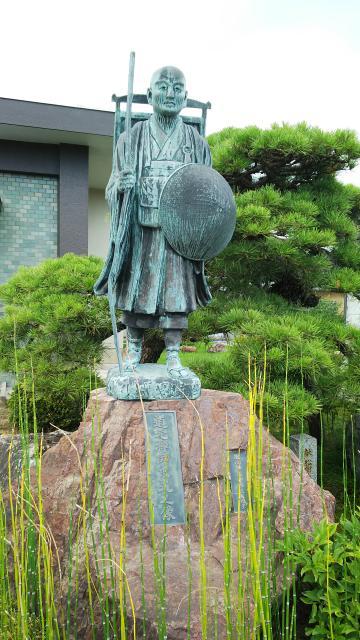 瑞泉院の像