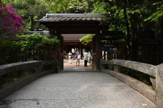 京都府宇治上神社の山門