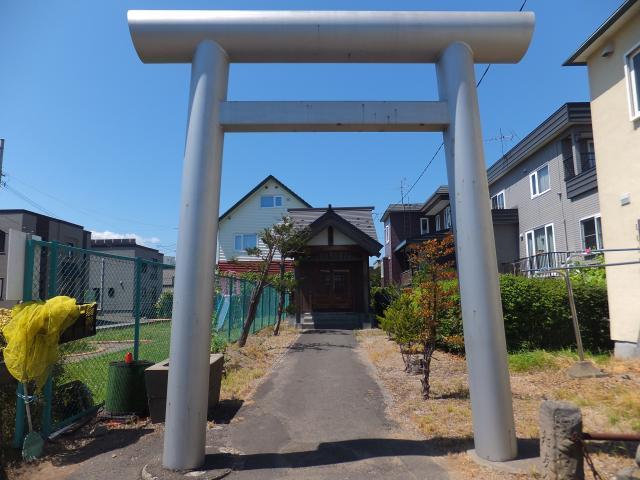 北海道苗穂山農本神社の鳥居