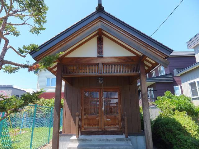 北海道苗穂山農本神社の本殿