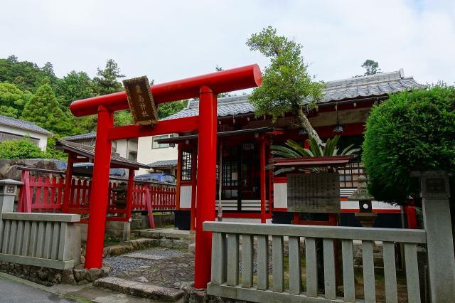 粟島神社の鳥居