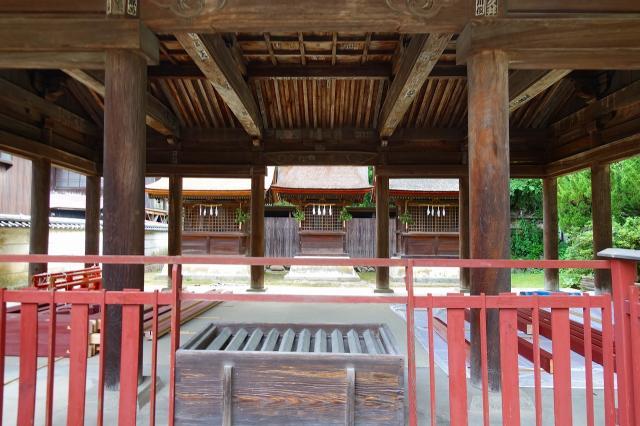 三翁神社の本殿