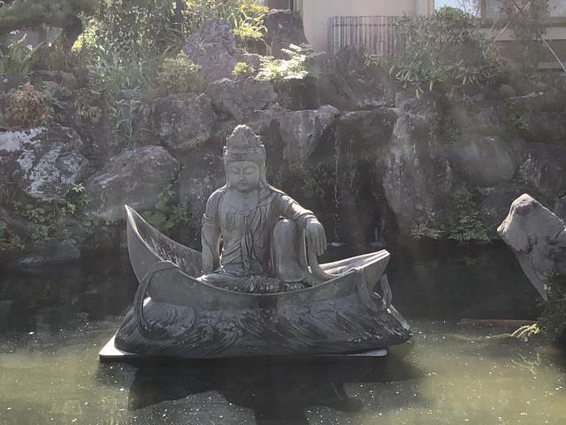 弥勒寺の庭園
