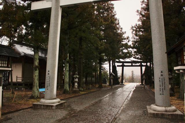 山梨縣護国神社の建物その他