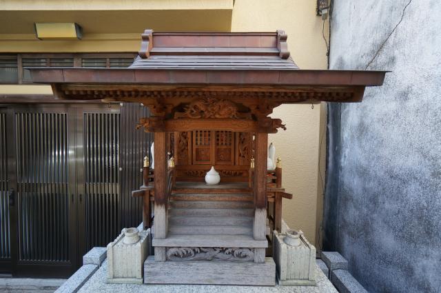 東京都伏見小林稲荷神社の本殿