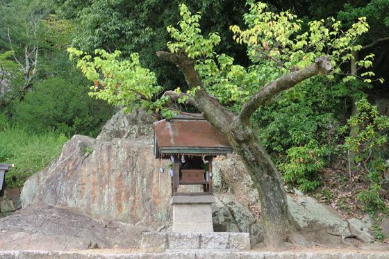 國神社の末社