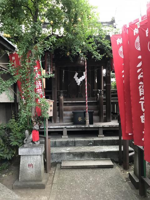 東京都大松稲荷神社の本殿