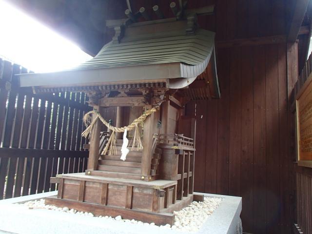 恵北高椅神社の本殿