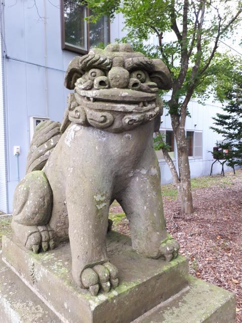 輪厚神社の狛犬