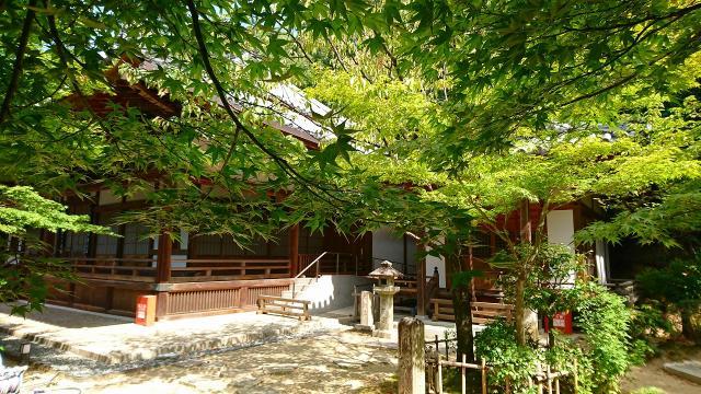 伊勢寺の庭園