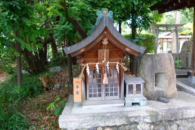 磯良神社の末社