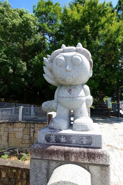 茨木神社の像
