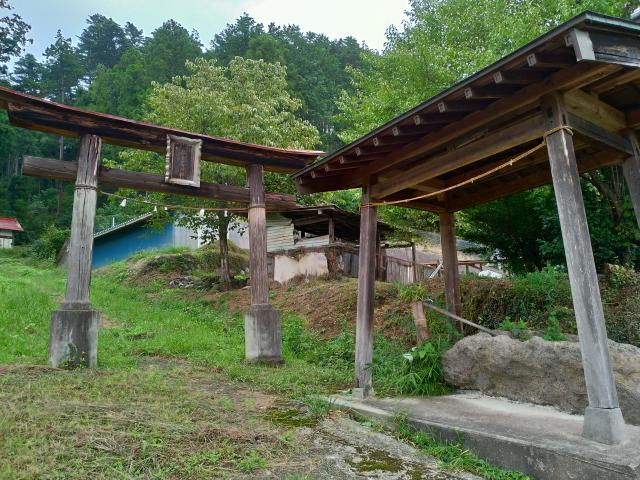 群馬県吾妻神社の本殿