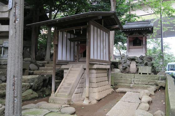 氷川神社の末社
