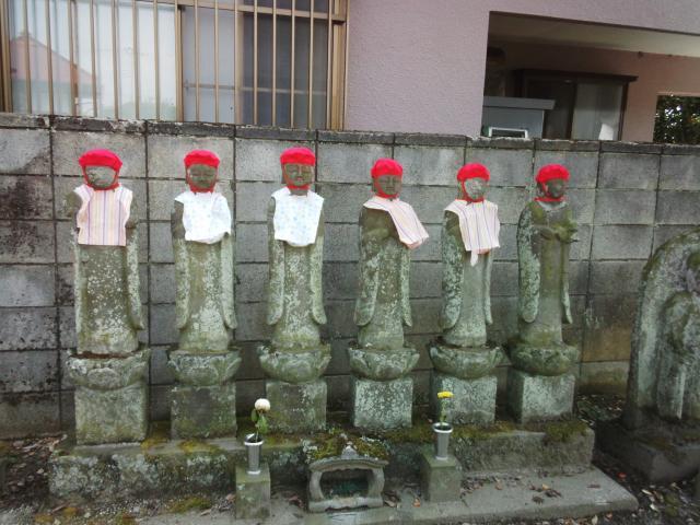 東国寺の地蔵